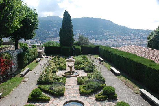 Monastere de Cimiez: Beautiful gardens