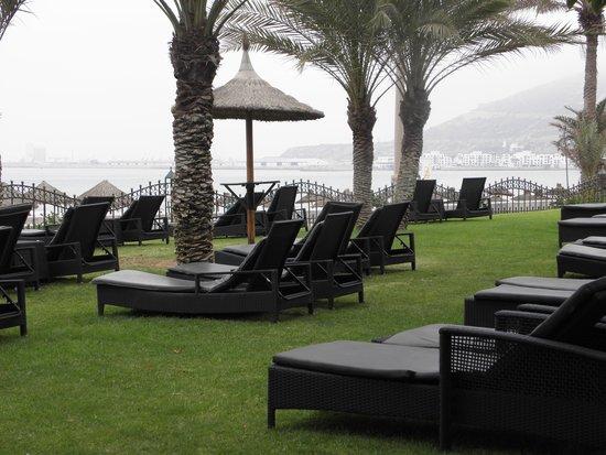 Club Med Agadir: transat sur la pelouse face mer