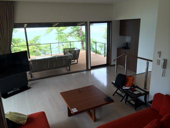 Tenku no Fune: Living room and terrace