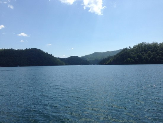 Fontana Lake: One of the many views at Lake Fontana.