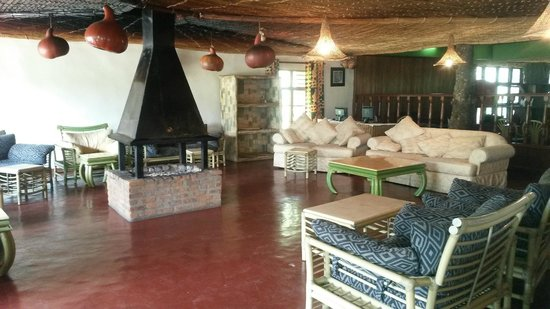 Mountain Gorilla View Lodge: Hotel Lounge