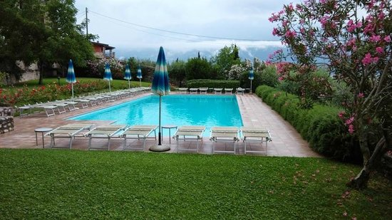 Hotel Villa Europa : View to the pool