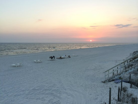 Carillon Beach Resort Inn: mile of beach - not crowded at all :)