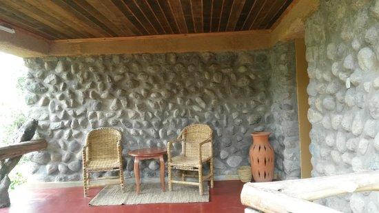 Mountain Gorilla View Lodge: Eingang Bungalow