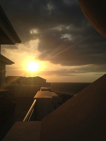 Iberostar Rose Hall Beach Hotel : Sunset