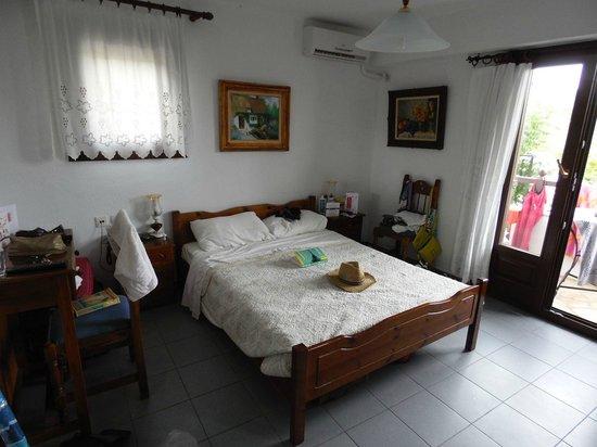 Pounda Paou : Bedroom at Room 9