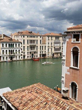 NH Collection Venezia Palazzo Barocci: Utsikt från vår balkong:)