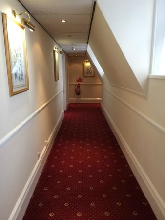 Best Western Bestwood Lodge Hotel: Hallway outside our room