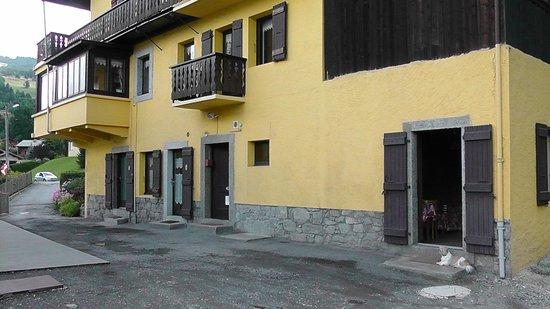 Hotel restaurant LES GRANITS : Notre chambre en bas à droite
