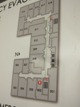 The Silversmith Hotel: Room 302 is L-shaped, faces Wabash Ave. & the El train platform.