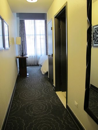 The Silversmith Hotel: Room 302's hallway.
