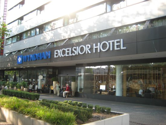 Wyndham Berlin Excelsior: the hotel