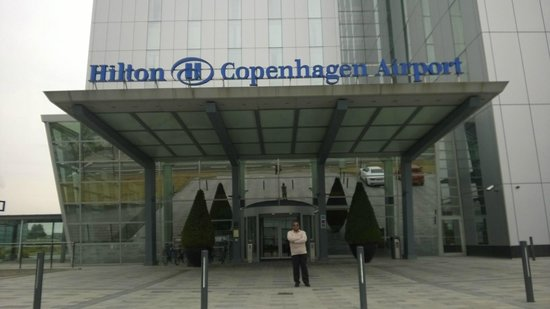 Hilton Copenhagen Airport: FRONT OF THE HOTEL