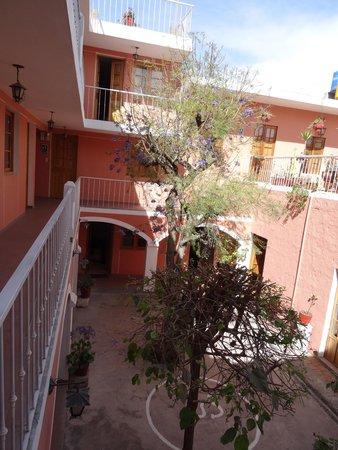 Posada Nueva Espana : central courtyard