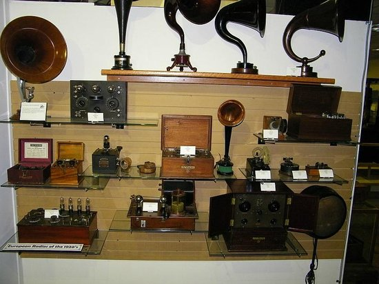Spark Museum of Electrical Invention: Early Europeon broadcast radios