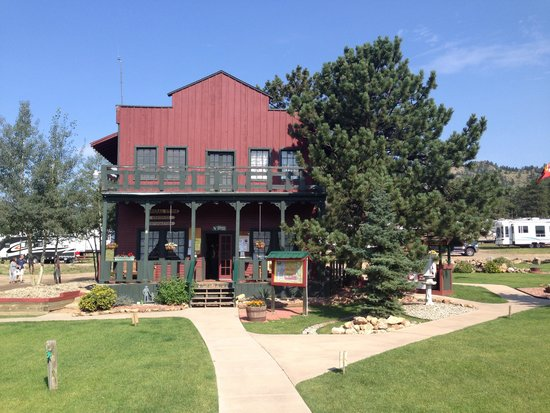 Elk Meadow Lodge & RV Resort: Check in