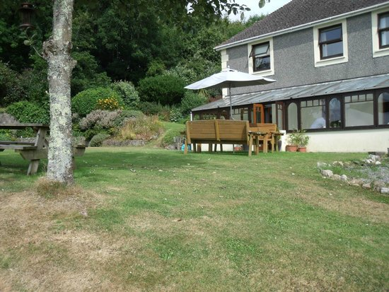 St. Lawrence Country Guest House: The 'back garden' of St Lawrence