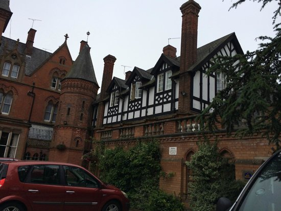 Best Western Bestwood Lodge Hotel: The hotel looking great from outside