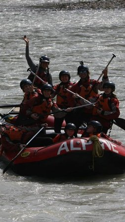 Alpine Rafting: Playing the rapids