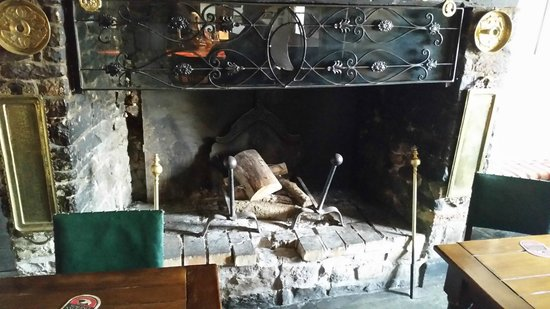 Half Moon Inn: open fire place