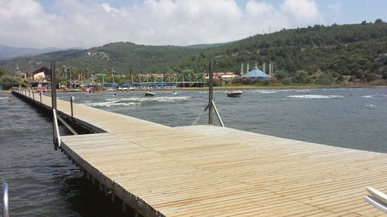 Aqua Fantasy Aquapark Hotel & Spa: Jetty looking at private beach