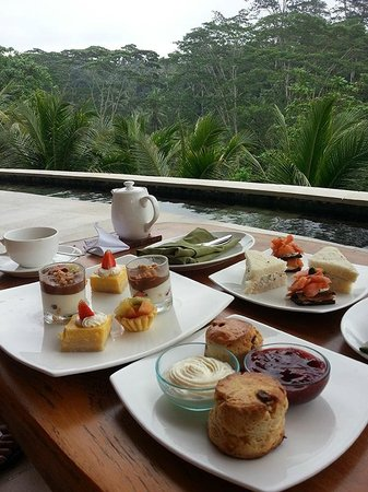 Four Seasons Resort Bali at Sayan : Sayan Afternoon Tea @ Four Seasons Bali