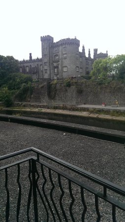 Kilkenny River Court Hotel: View from our room/balcony