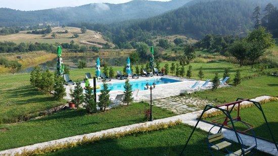 Eco Village Ruminika: Pool