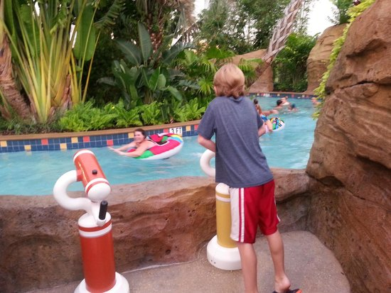 Universal's Cabana Bay Beach Resort: Tube river