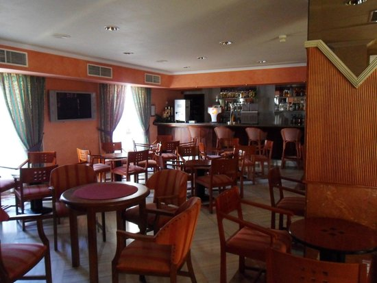 Globales Condes de Alcudia: The fairly decent albeit dated lounge that was never open