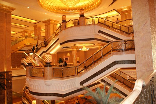 Emirates Palace : glorious interior design with amazing lighting.