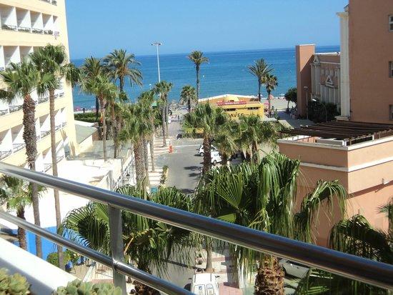 Playasol Spa Hotel: vue chambre côté rue vers la mer