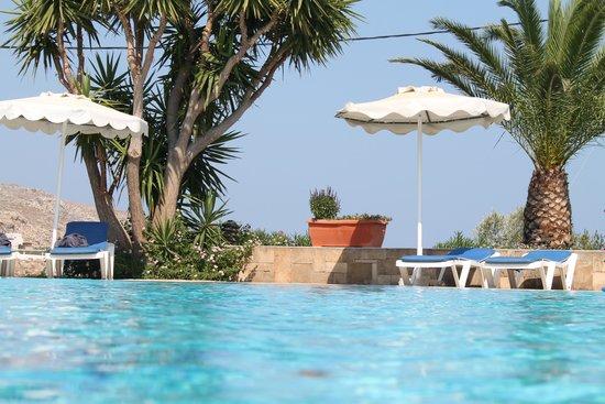Ville di Lindos: piscine à 32°