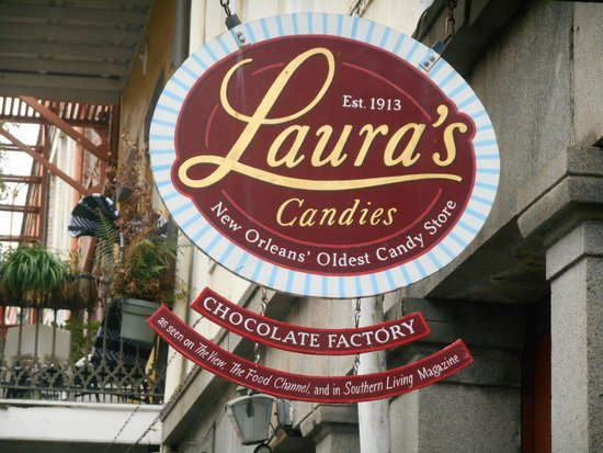 Laura's Candies : Placa chamativa a potenciais clientes