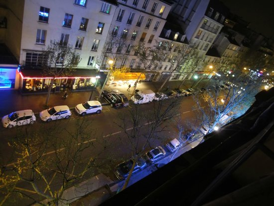 Hotel des Pyrenees: nightlife