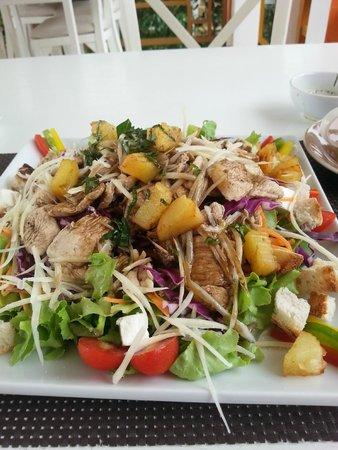Hacienda Beach Resort : Hacienda Salad
