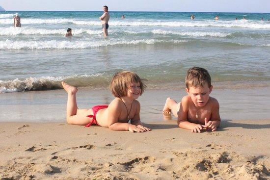 Pilot Beach Resort : на чудесном пляже