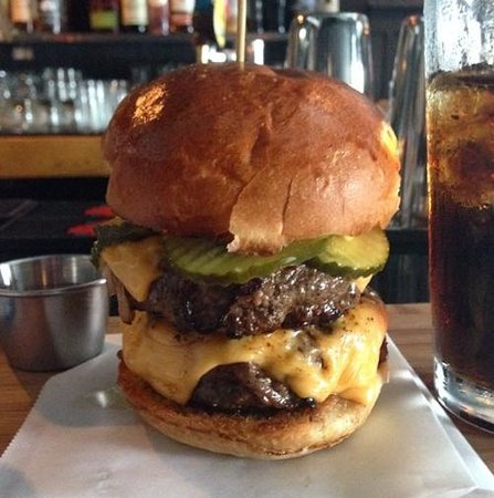 Illegal Food: Yes, that's a Diet Coke with my F&H burger :)