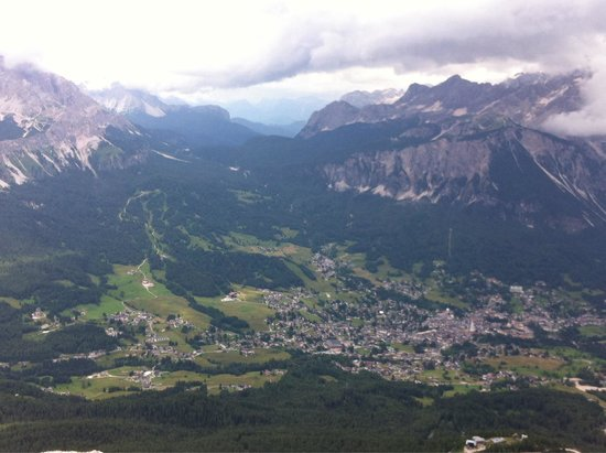 Tofana Cortina Freccia nel Cielo: View from the second station