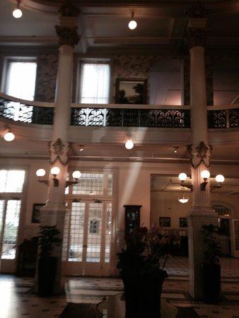 Menger Hotel: Lovely rotunda