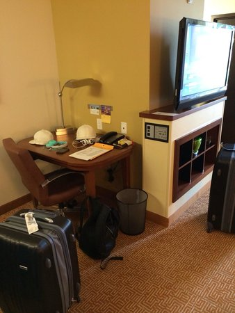 Hyatt Place Sarasota / Bradenton Airport: Small desk