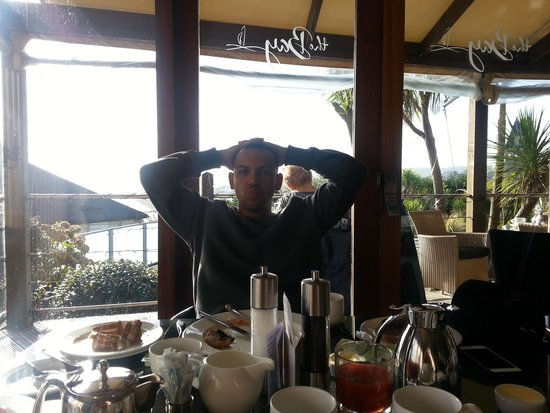 Hotel Penzance: Dan enjoying his breakfast!