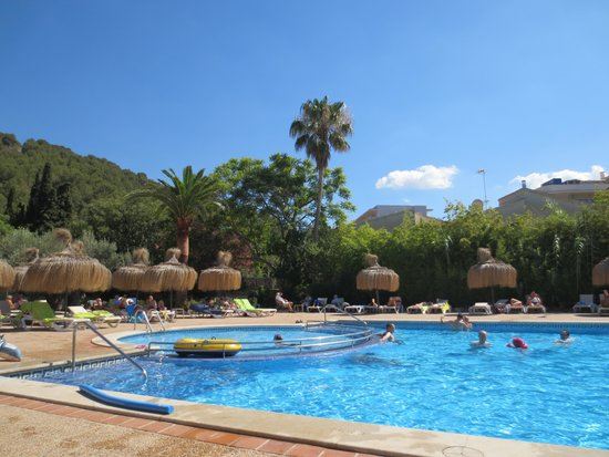 Es Port Hotel: pool