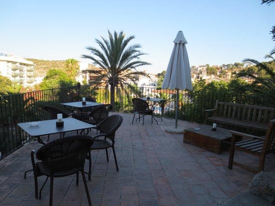 Es Port Hotel: terrace