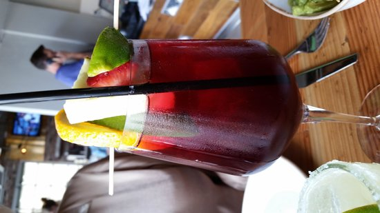 Puesto Mexican Street Food: Sangria - very good