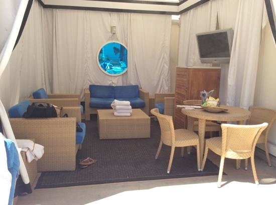 Caesars Palace : The cabana