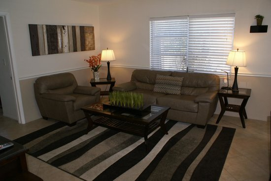 Island Sands Inn: Two Bedrom Condo/Villa Living Room