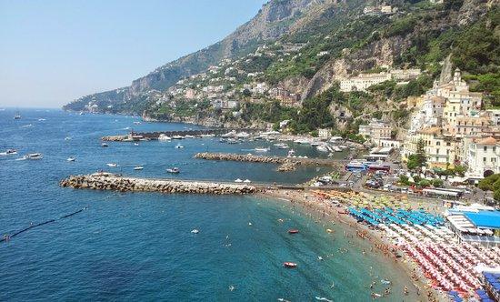 Hotel Marina Riviera: Panorama diurno dalla camera.