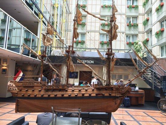 Radisson Blu Hotel, Amsterdam: Hotel's lobby