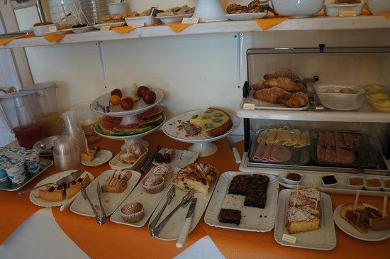 Artemisia Resort : colazione (una parte)